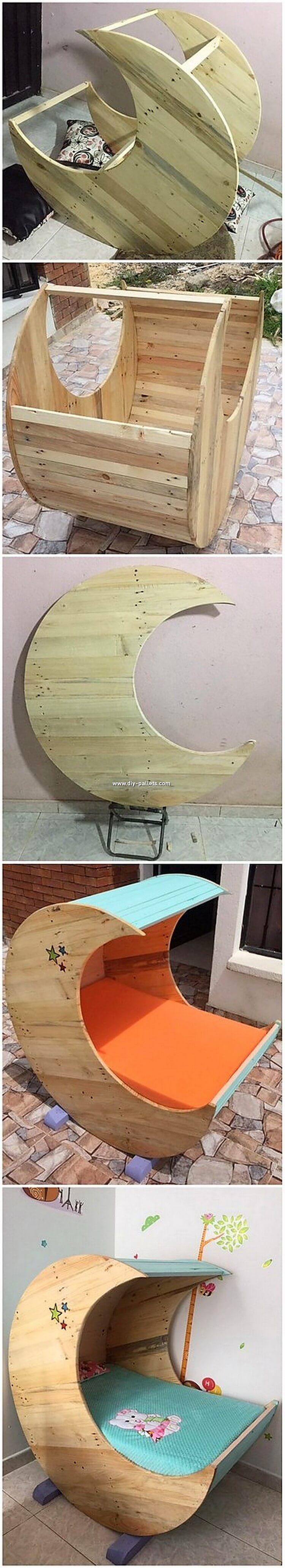 DIY Pallet Half Moon Cradle