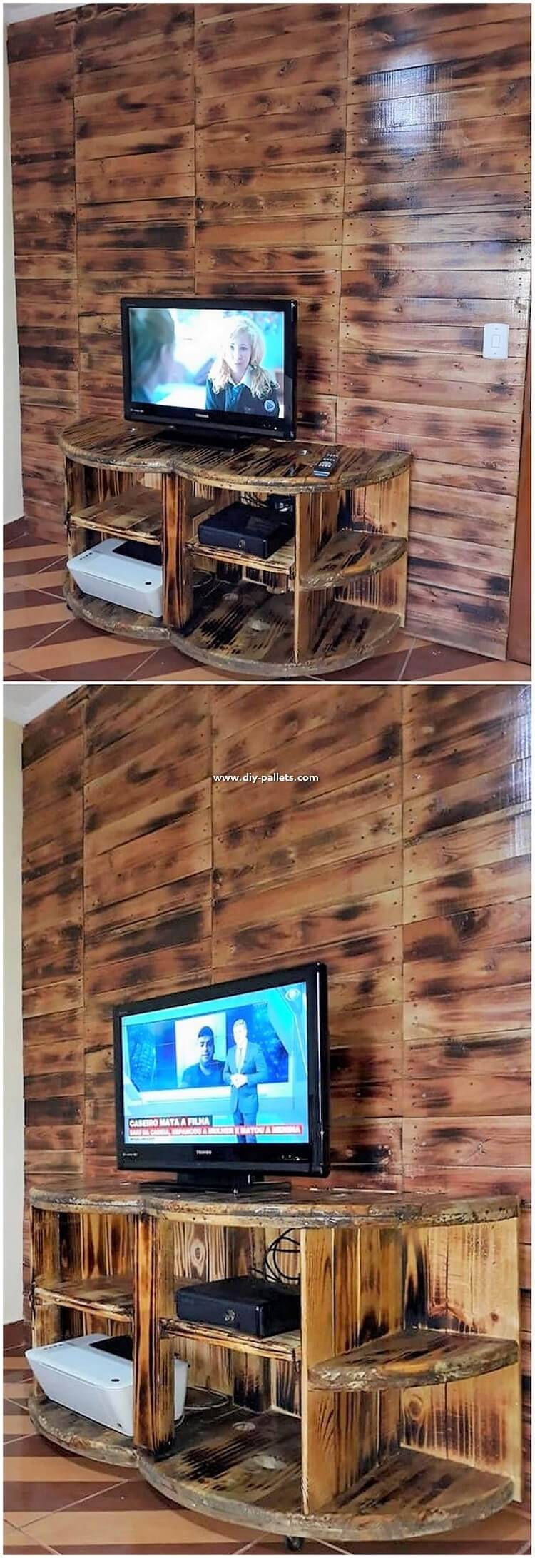 Pallet Wall Decor with TV Stand