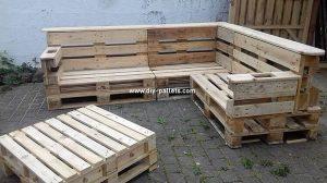 Pallet Garden Sofa and Table