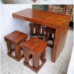 Pallet Desk Table and Stools